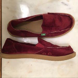 WOMENS SANUK Rumba Red Donna Velvet Slip on shoes
